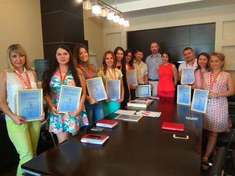 Вручение сертификатов компании «ФЛЭТ»